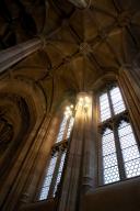 Entrance Hall: Ceiling